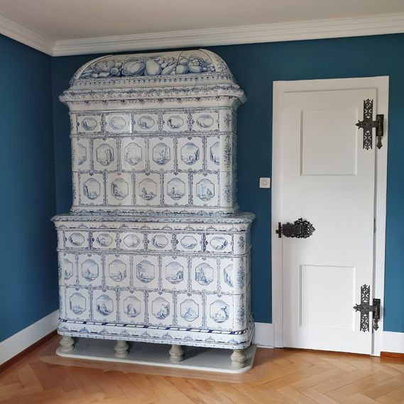 Gnehm tiled stove from circa 1742