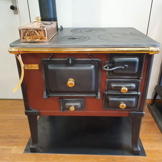 CHF 8,820 excluding VAT Sarina wood-fired cooking stove no. 1756 in elegant colours
