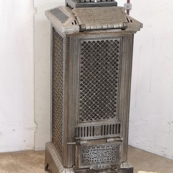 Cast-iron stove no. 1873 Stunning Sursee stove with original nickel-plated surface