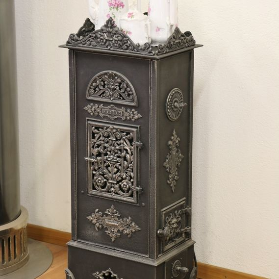 KK cast-iron stove no. 323, fully restored and refurbished with electric heating element