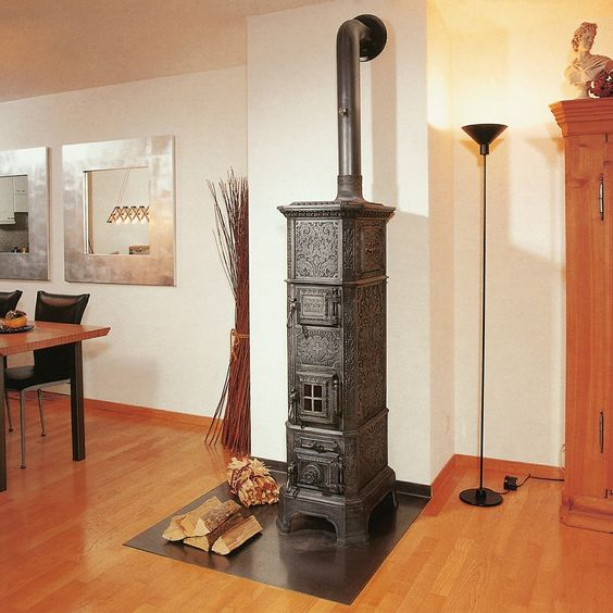 Cast-iron stove circa 1890 from former stove manufacturer Weltert & Comp. in Sursee