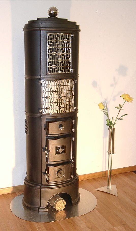 Danish cast-iron stove from former stove manufacturer H. Rasmussen & Co. Odense