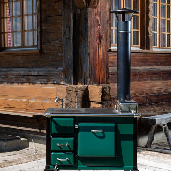 CHF 7,820 excluding VAT / Multi-functional outdoor stove for baking, cooking and grilling, painted in British racing green and black